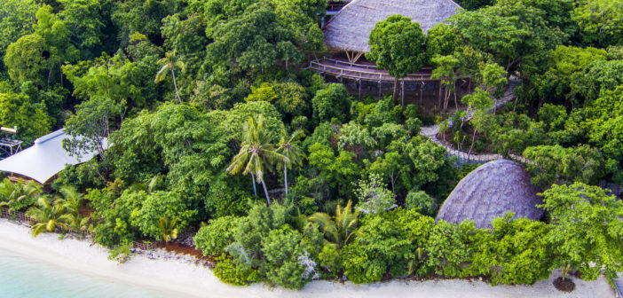 It's time you retreated to Bawah Island, a luxurious tropical Indonesian haven that home to Asia's newest 'natural-lux' retreat.