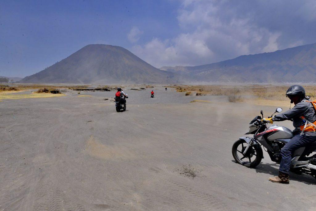 Riding the Sea of Sand. Credit: Nick Walton