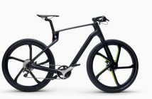 The stunning new Superstrata road bike is a wonder of 3D printing technology, sheer determination, and inspiring carbon fibre design.