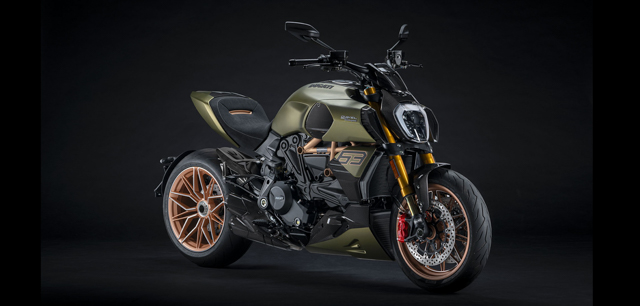 Two iconic Italian brands put their minds together to create the breathtaking Ducati Diavel 1260 Lamborghini motorbike.
