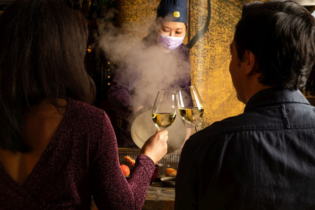 Crown Super Deluxe - The year is almost over, and as we breathe a collective sigh of relief, we look at where you might want to welcome 2021 in style. These are Hong Kong's top New Year's Eve celebrations.