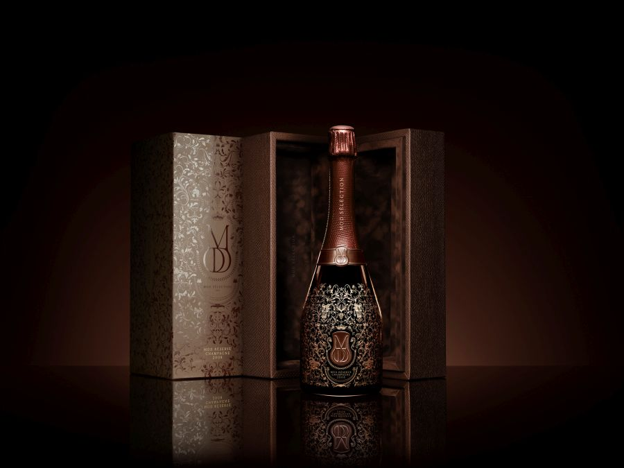 Mod Selection champagne - It's been a hell of a year and who knows what's next. Show your closest mates you've got their back with one of these he-tastic gift ideas.