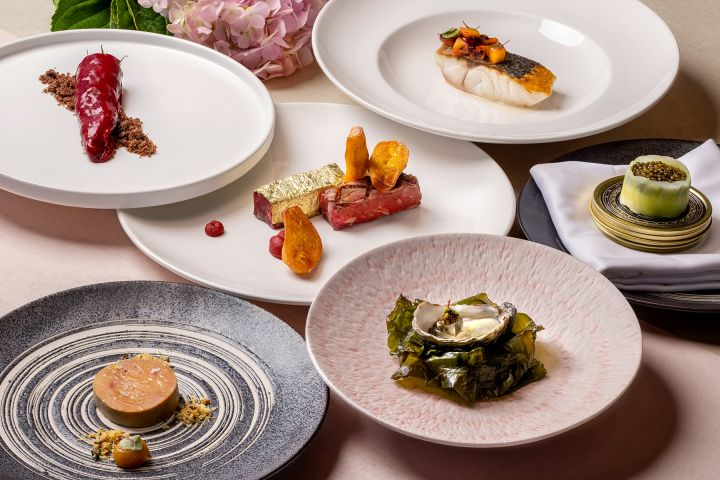 Aria - Valentine's Day is here again, and this year you might be celebrating your relationship surviving lockdowns and global pandemics so do it in style with one of these top Hong Kong Valentine's Day dining experiences.