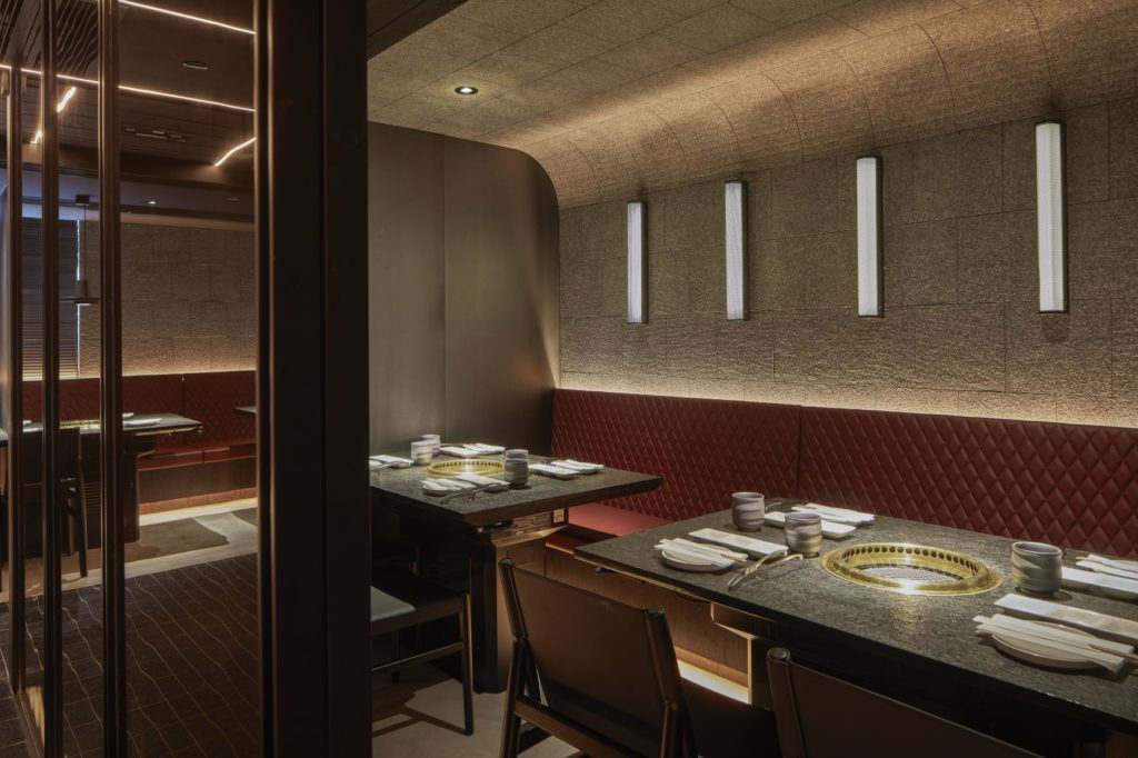Perfectly suited for the intimate dining under current restrictions, Central Hong Kong's new Yakiniku Ishidaya offers a world-class Wagyu beef experience.