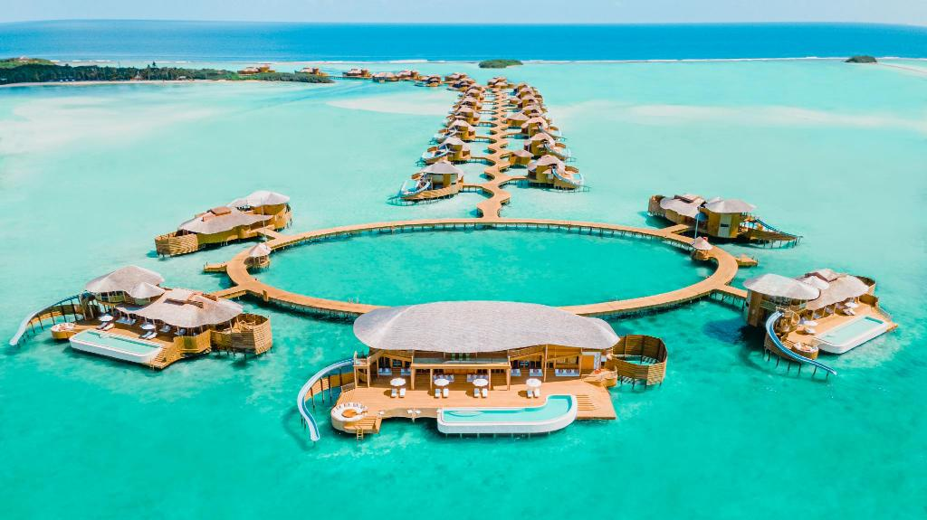 Soneva and Alexa Private Cruises have put their heads together and created your next Maldives vacation. You're welcome.