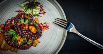 New gastropub Hungry Pal blissfully goes against the grain, offering comfort fare and a laid back vibe in the heart of Soho.