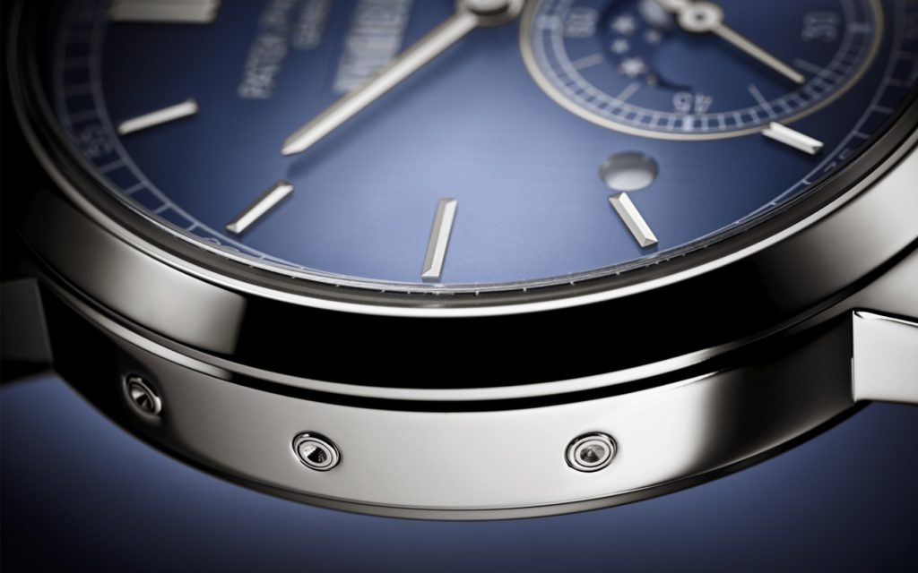 Patek Philippe introduces a totally new perpetual calendar with an innovative patented one-line display.