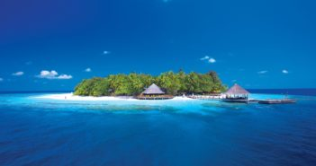 Nick Walton keeps the flames of amour alive with a visit to a duo of decadent Maldivian hideaways by Angsana.